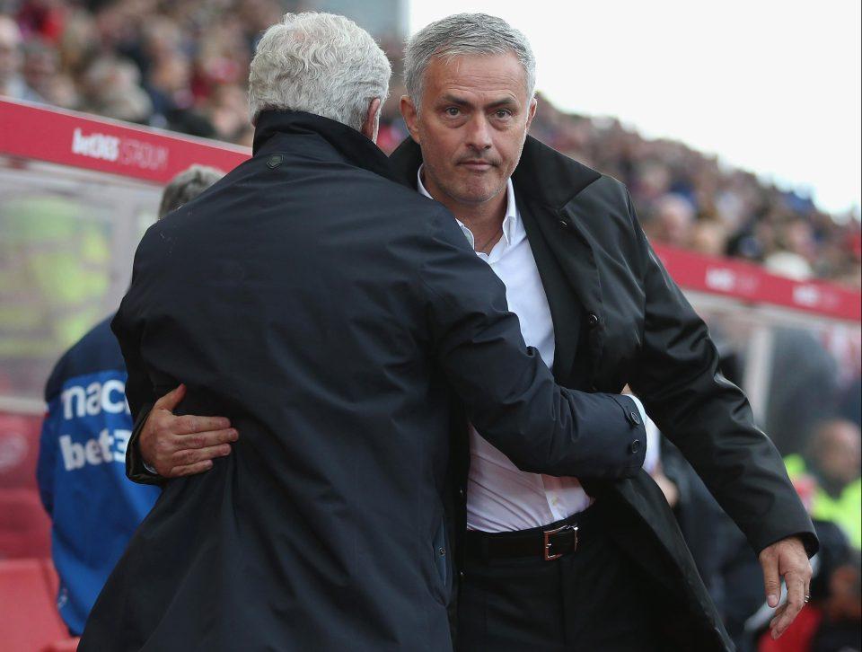 mourinho menolak salaman