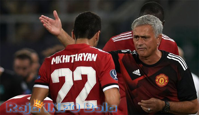 mkhitaryan tidak pantas untuk united