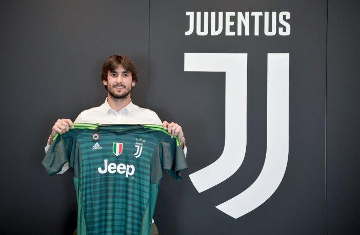 Mattia Perin resmi pindah ke Juventus