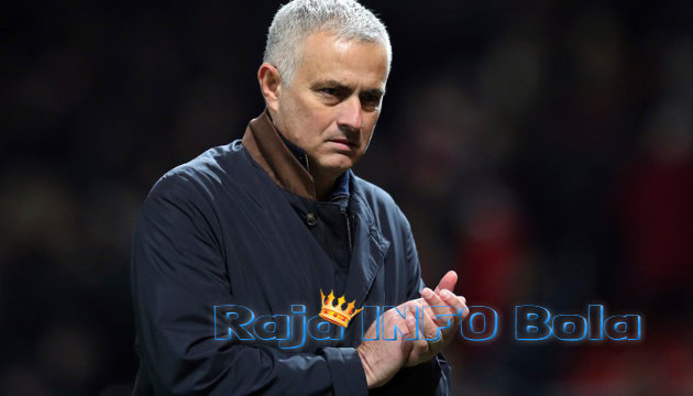 Jose Mourinho Latih Real Madrid